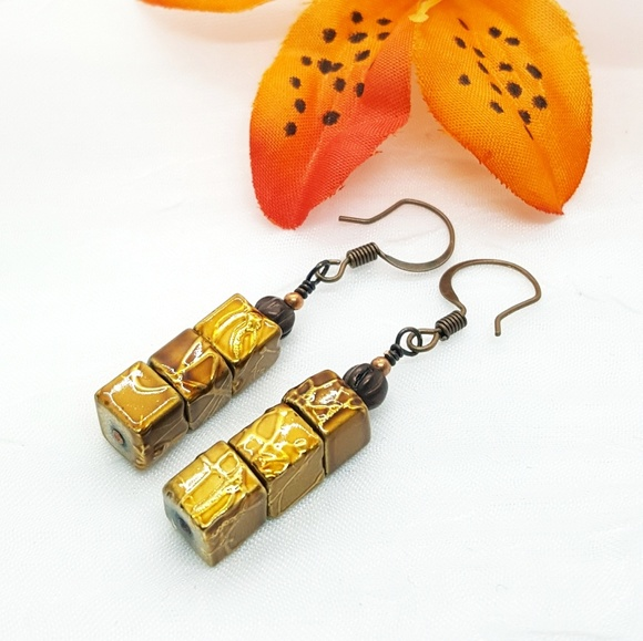Earrings with ceramic beads